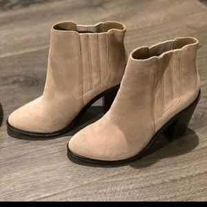 New! Joie Cloee Suede ankle booties 6.5